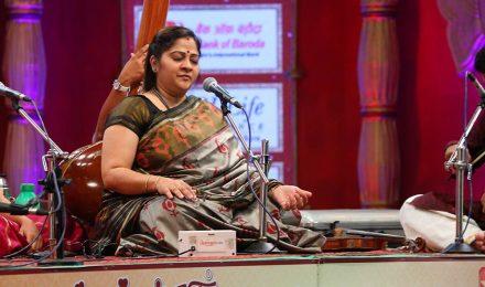 Sowmya – Vocal at Chennaiyil Thiruvaiyaru – Season 10