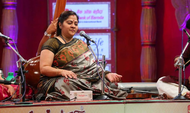 Sowmya – Vocal at Chennaiyil Thiruvaiyaru – Season 10