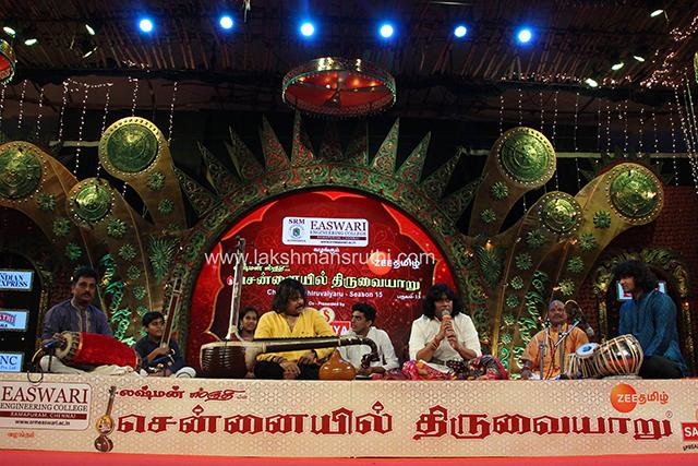 Rajhesh Vaidhya & U.Rajesh – Veena & Mandolin at Chennaiyil Thiruvaiyaru – Season 15`